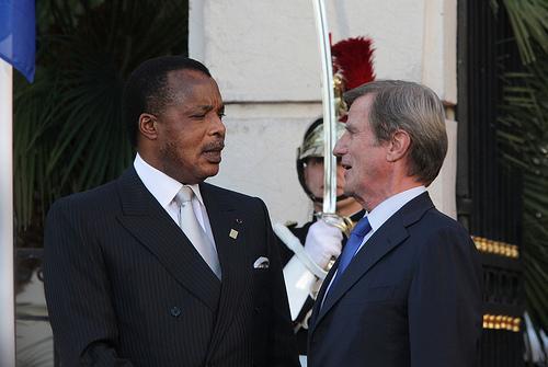 Le président Denis Sassou Nguesso ( Congo Brazza ) et Bernard Kouchner