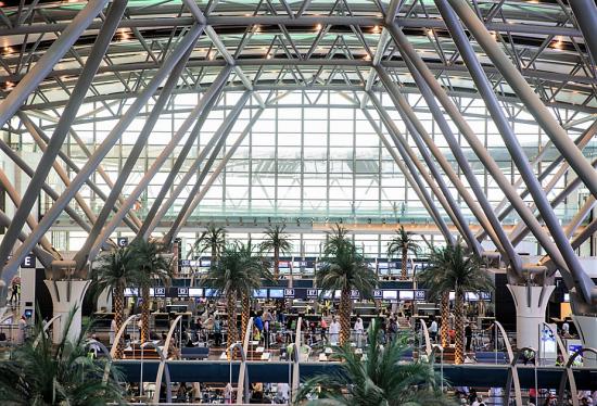Oman Air démarre ses activités depuis le nouveau terminal de
