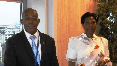 1-son-excellence-gaspard-du-burundi-et-son-epouse-28-ianvier-2012-1-copie-2.jpg