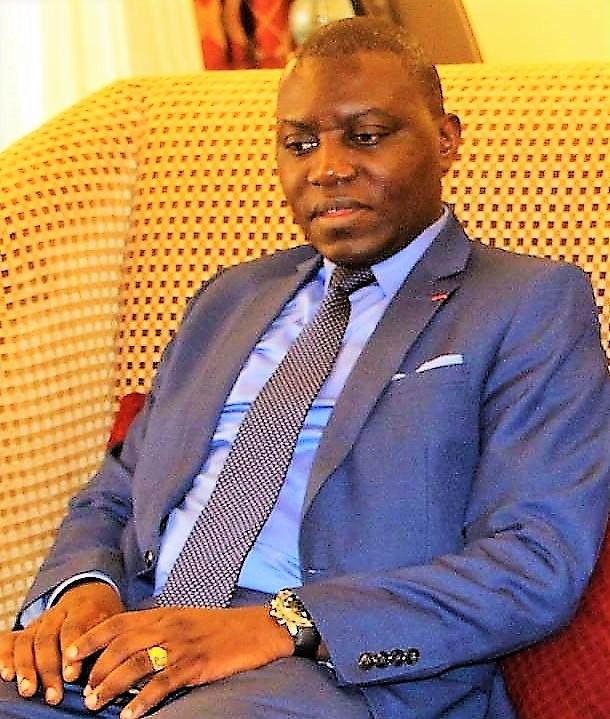 Bangui Doubane Démissionner Charles De Armel Envisage qazErUqHw