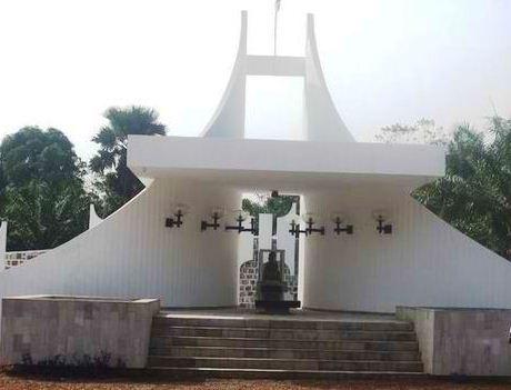 mausole-boganda.jpg